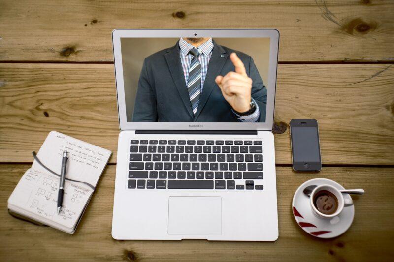 オンラインレッスンのやり方を初心者向けに徹底解説!Zoomなどの無料ツール7選も紹介