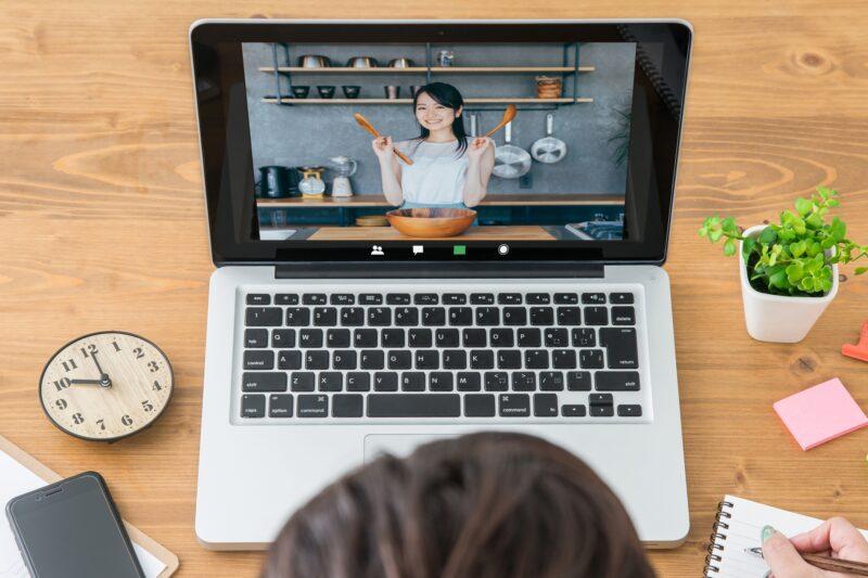 オンラインで料理教室を開いてみませんか?注意点や具体的なやり方を徹底解説!